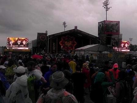 Earth, Wind & Fire in the rain