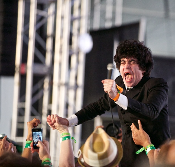 The Make-Up's Ian Svenonius [photo: Debi Del Grande]