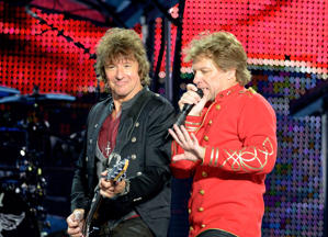 Bon Jovi and Sambora (Photo: Robert Marquardt)