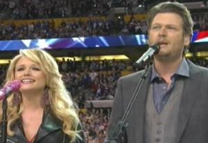 Miranda Lambert & Blake Shelton start the show