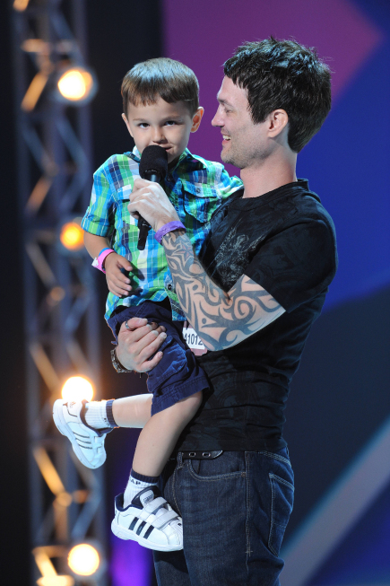 Jeffrey Gutt & son [photo: Fox]