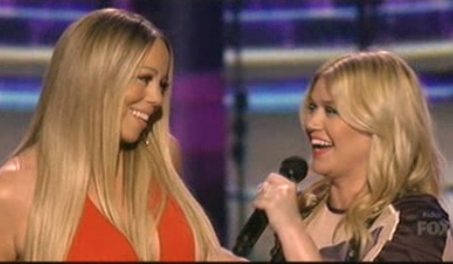 Kelly Clarkson fangirls over Mariah Carey