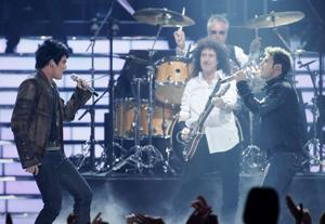 "Queen on ""Idol"" Season 8 (photo: Fox)"