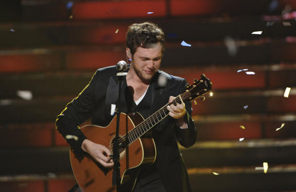 Phillip cries during his victory song [photo: Fox]