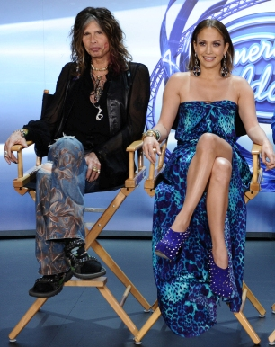"Steven & J.Lo have left two open seats on ""Idol"" [photo: Fox]"