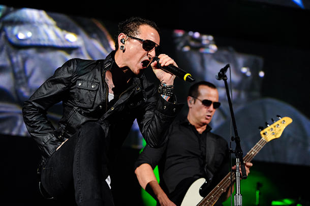 Chester Bennington fronting Stone Temple Pilots [Noel Vasquez/Getty Images]