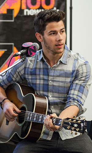 Nick Jonas talks 21st birthday celebrations! (Rachel Kaplan)