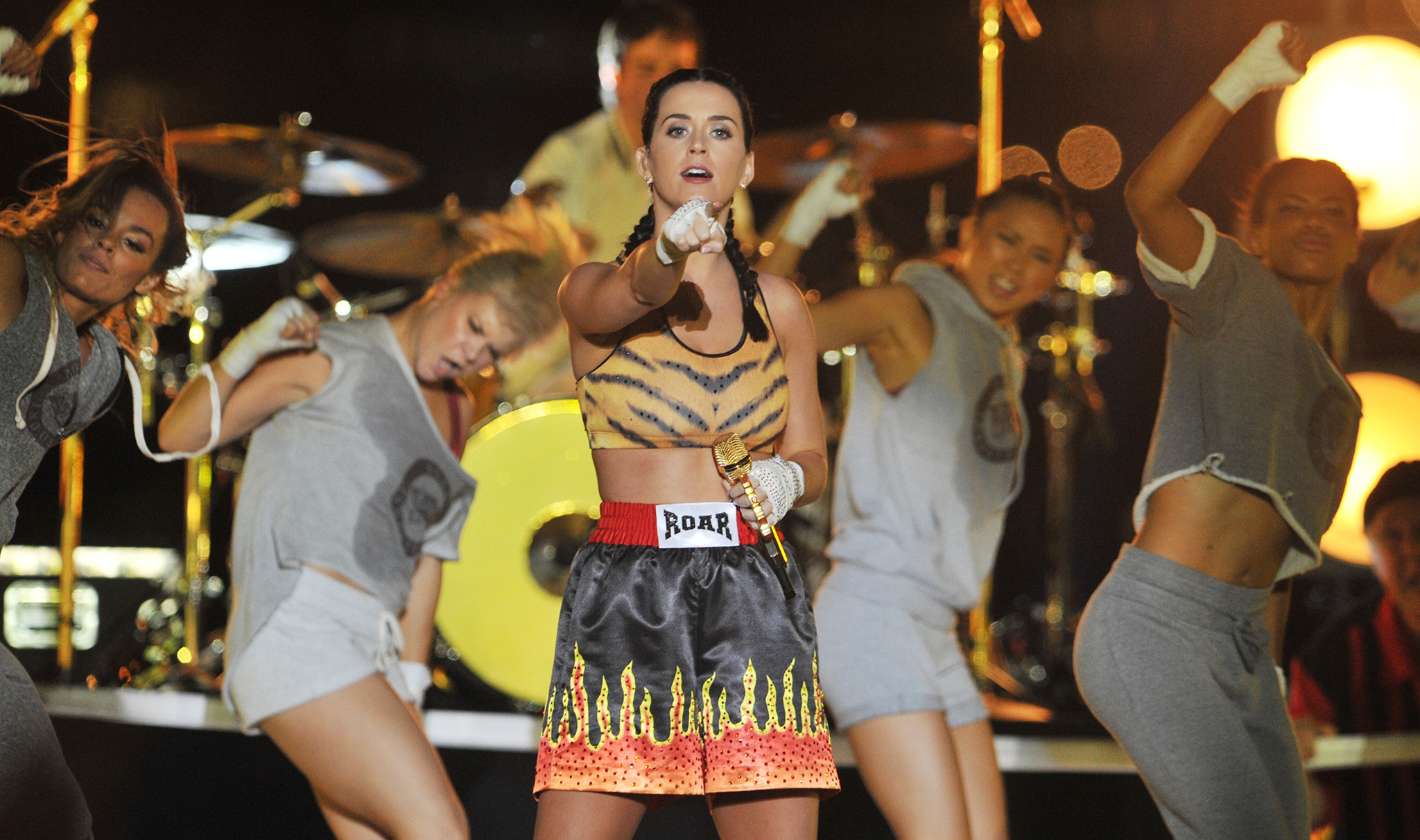 Katy Perry performs at the 2013 MTV Video Music Awards (Getty Images)
