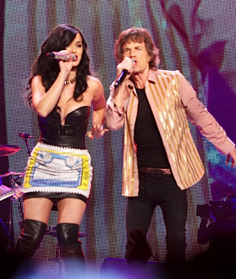 Katy and Mick on stage in Vegas, May 2013 (Getty Images)