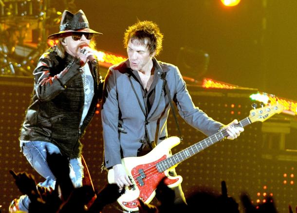 Axl Rose, Tommy Stinson (photo: Shirlaine Forrest, Wire Image)