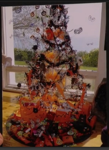 "Rose's ""Halloween Tree"" (Courtesy Jimmy Kimmel Live!)"