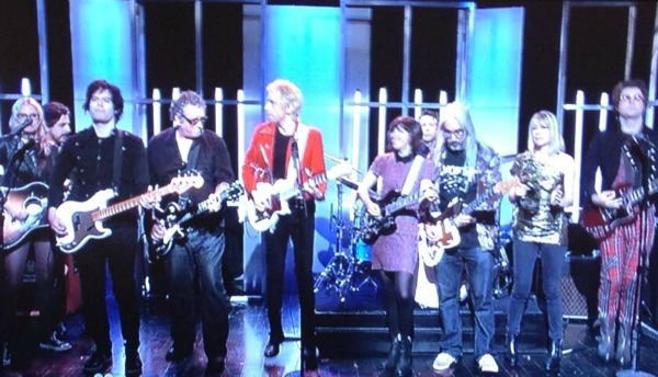 Fred Armisen Jams With Punk-Rock Elite on 'SNL' Finale