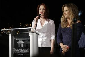 Priscilla and Lisa Marie Presley (Photo: Mark Humphrey/AP)