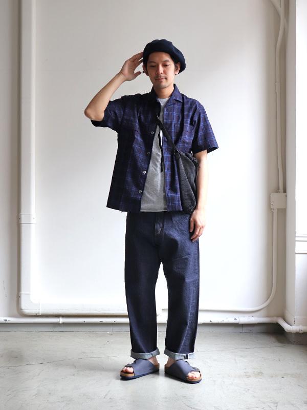 以「開領襯衫」穿搭出時下日本男性的不造作風格!
