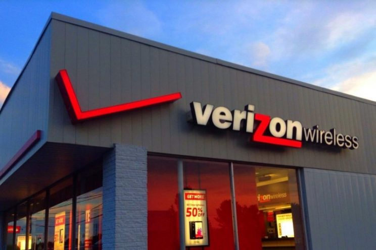 How Verizon's new 'unlimited' plan compares to the competition