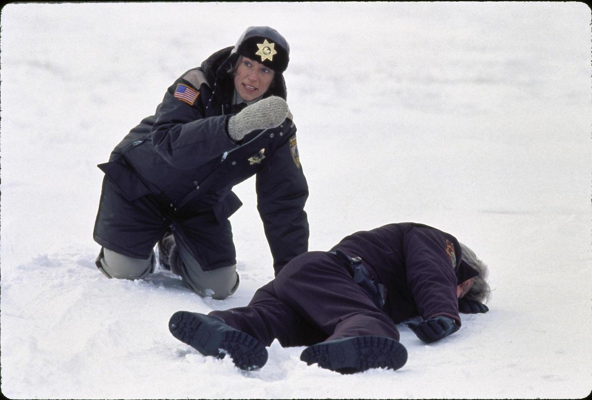 法蘭西絲曾以《冰血暴》的懷孕警官一角首度獲奧斯卡影后,這次她卻憑與警察對立的角色再度封后。