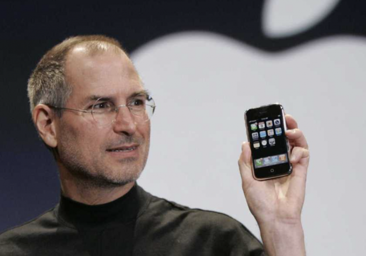 The 4 people Steve Jobs handpicked to review the iPhone reflect 10 years later