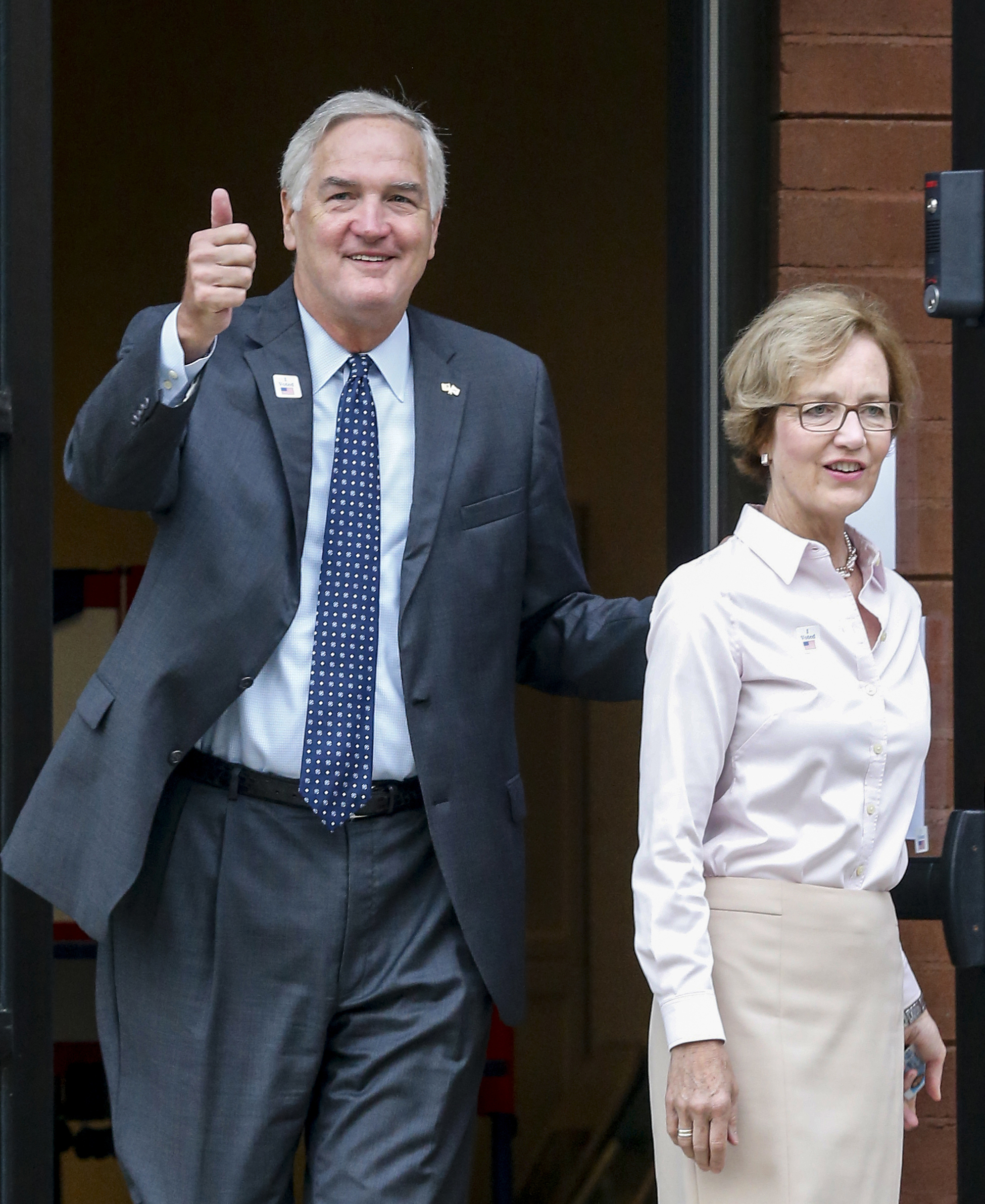 Roy Moore, Luther Strange advance to runoff in Alabama Senate election