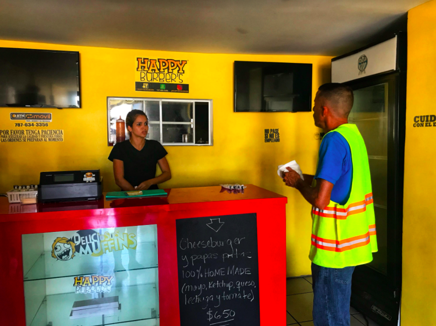 The struggle of a Puerto Rican restaurant without electricity — or refrigeration
