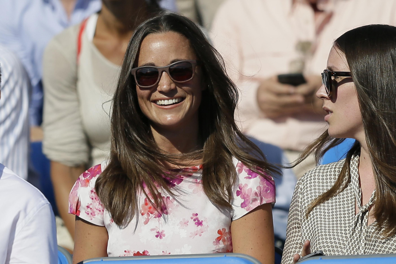 Pippa Middleton's Phone Hacked, Thousands of Photos Stolen