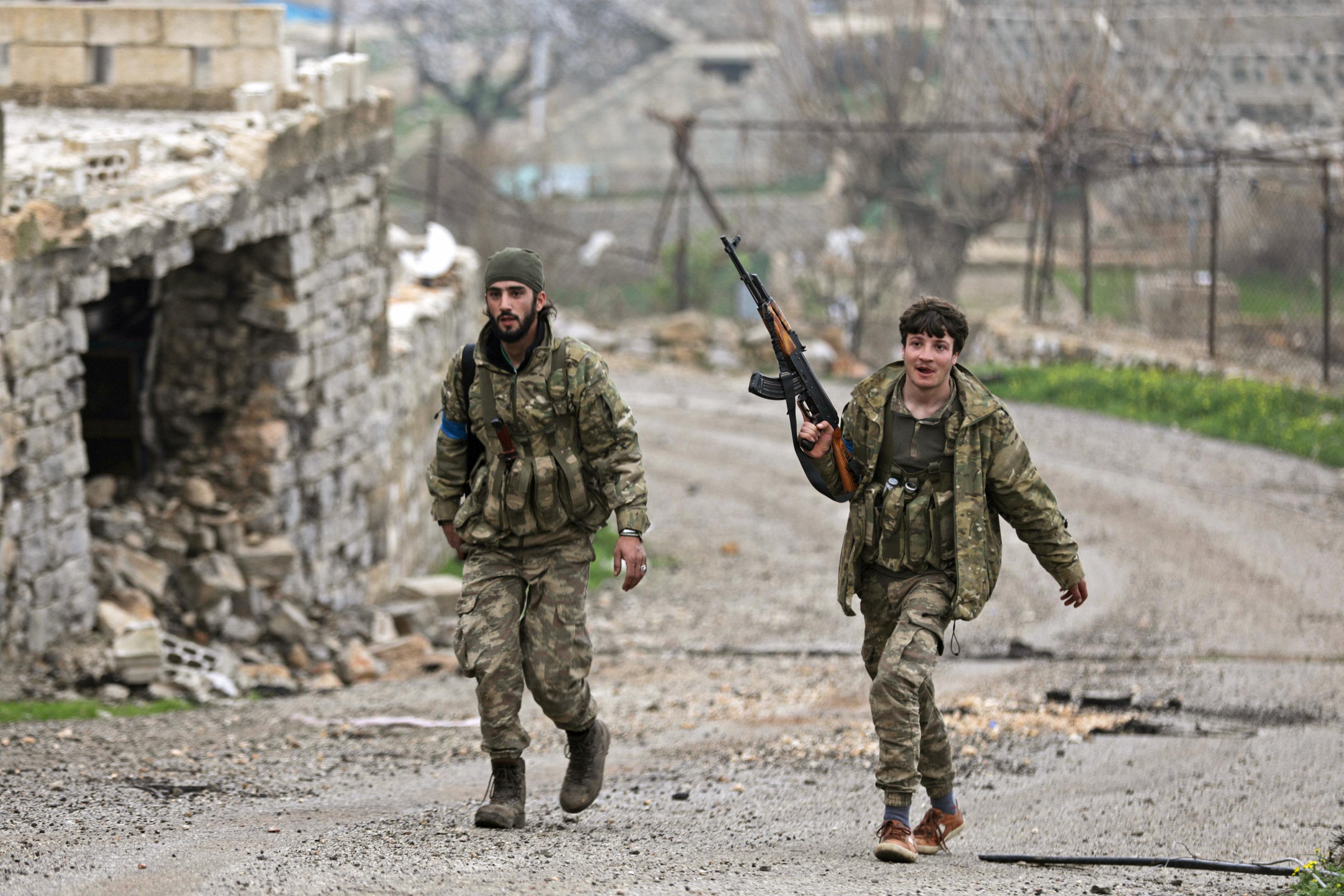 La 'nueva' guerra que se libra en Siria: Assad y los kurdos contra Turquía