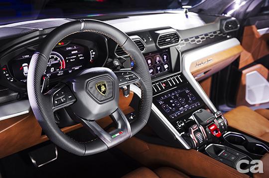 Lamborghini Urus新車發表會 (13)
