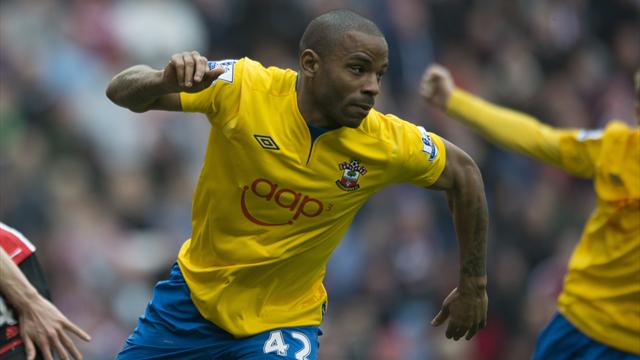 Premier League - Substitute Puncheon scores as Sunderland held
