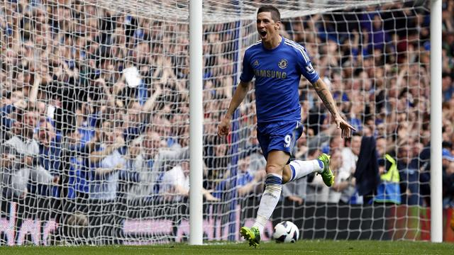 Premier League - Torres ends goal drought as Chelsea secure Champions League spot