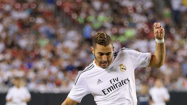 Liga - Benzema guides Real Madrid past Granada