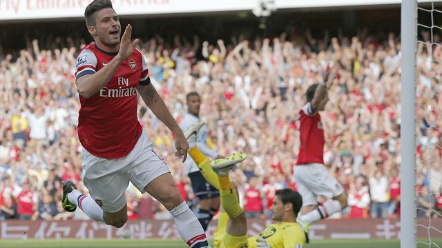 Premier League - Giroud strikes as Arsenal triumph over Spurs
