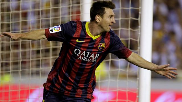 Liga - Messi hat-trick helps Barcelona past Valencia