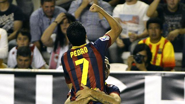 Liga - Pedro nets hat-trick as Barcelona crush Rayo