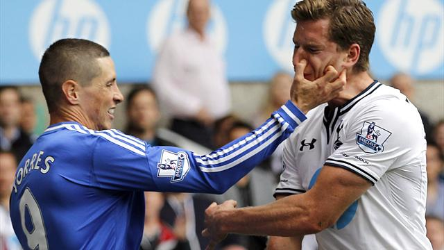 Premier League - Torres off as Spurs and Chelsea share spoils
