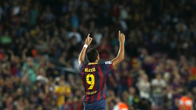 Liga - Sanchez hits double as Barca extend unbeaten league start