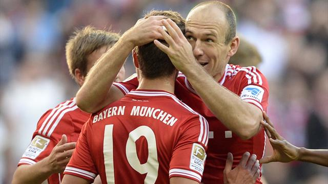 Bundesliga - Goetze leads Bayern back to top spot