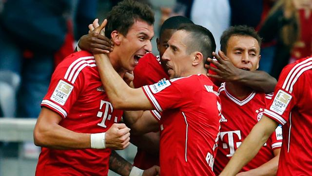 Bundesliga - Mandzukic double help keeps Bayern on top