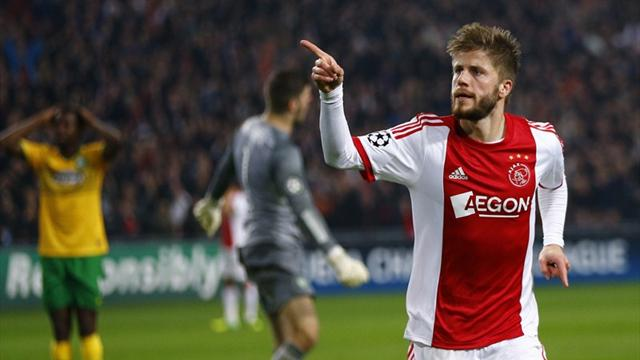 Champions League - Schone revives Ajax hopes