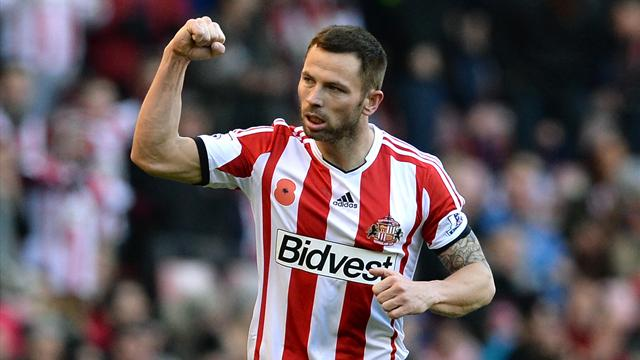 Premier League - Bardsley seals Sunderland win over City