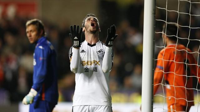 Europa League - Swansea hit by Bony injury in narrow loss to Valencia