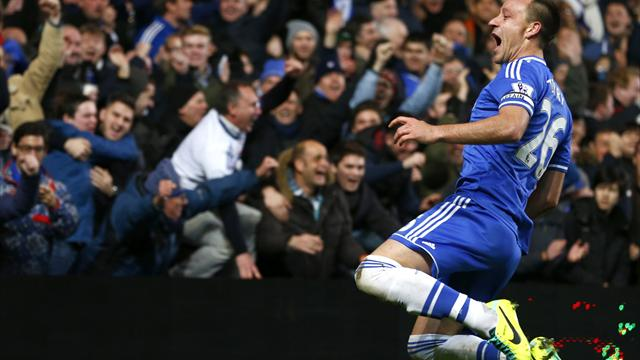 Premier League - Terry nets on milestone in rousing Chelsea win
