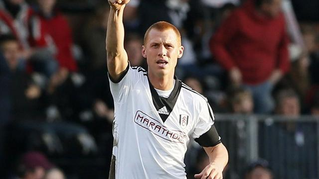 Premier League - Berbatov stars as Fulham beat woeful Villa