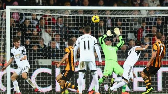 Premier League - Swansea handed benefit of doubt as Flores goal holds Hull