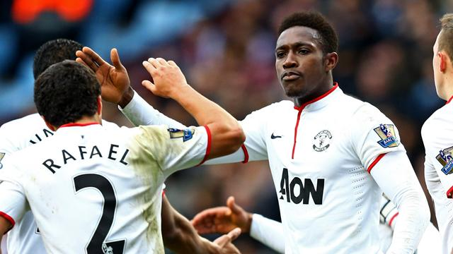 Premier League - Welbeck double ends United winless run as Fletcher returns