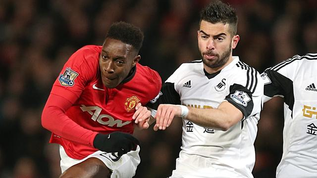 Premier League - United relieve pressure with victory against Swansea