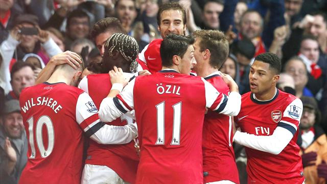 Premier League - Cazorla double secures Arsenal win over Fulham