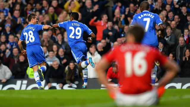 Premier League - Eto'o hat-trick eases Chelsea past hapless United