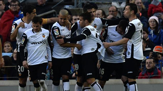 Liga - Valencia stun Barcelona at Camp Nou