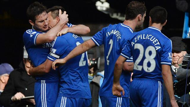 Premier League - Leaders Chelsea sink Everton with late Terry winner