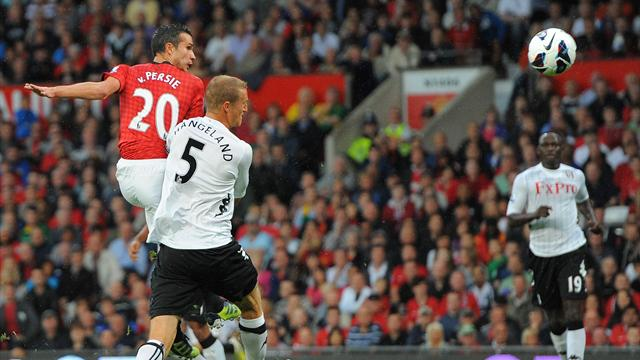 Van Persie scores but Rooney injured