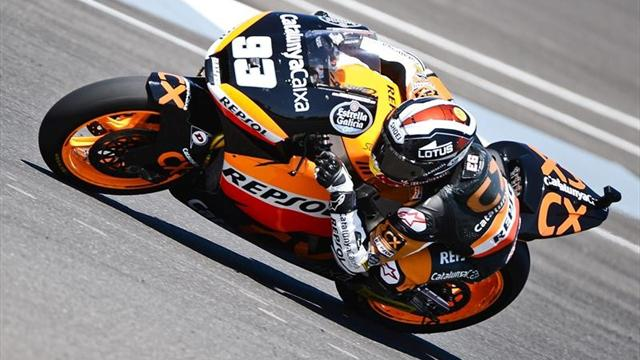 Marquez on Moto2 pole, Espargaro crashes